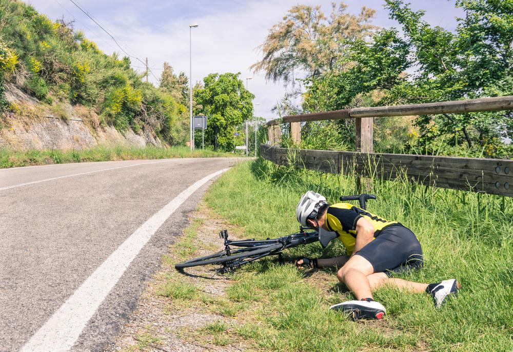 cyclist falls suffers concussion