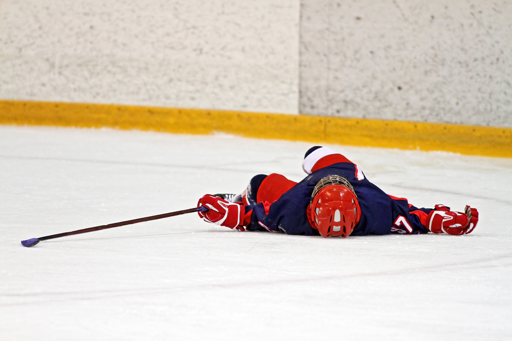 hockey player suffers concussion